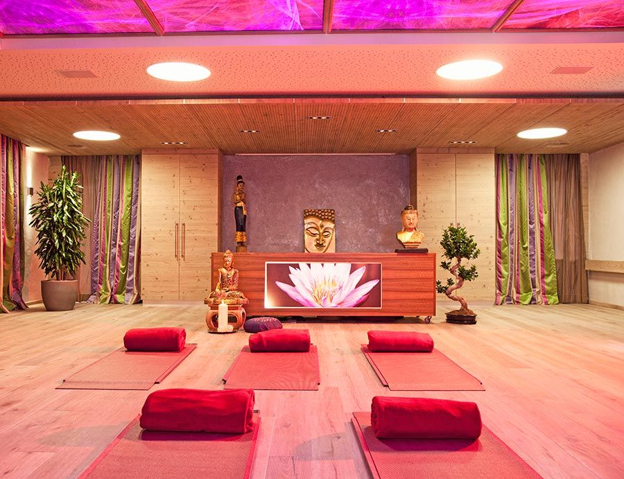 Exklusiv: Superhuman YOGA Woche mit Bahar im Stock Resort / Zillertal (AT)